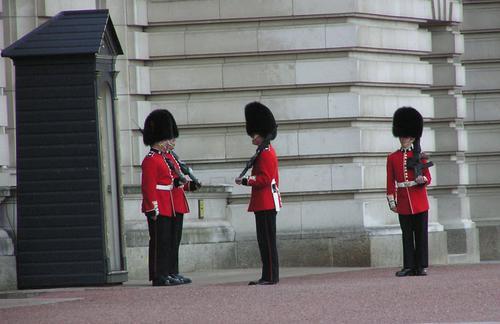Buckingham Guards 2